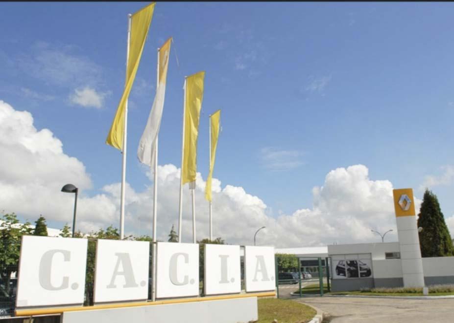 Limpeza e extração de residuos sólidos na Renault Cacia